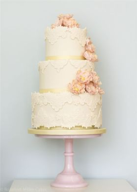 22 Elegant Wedding Cakes with Beautiful Details   Deer Pearl Flowers     Rosalind Miller Elegant Wedding Cake 12