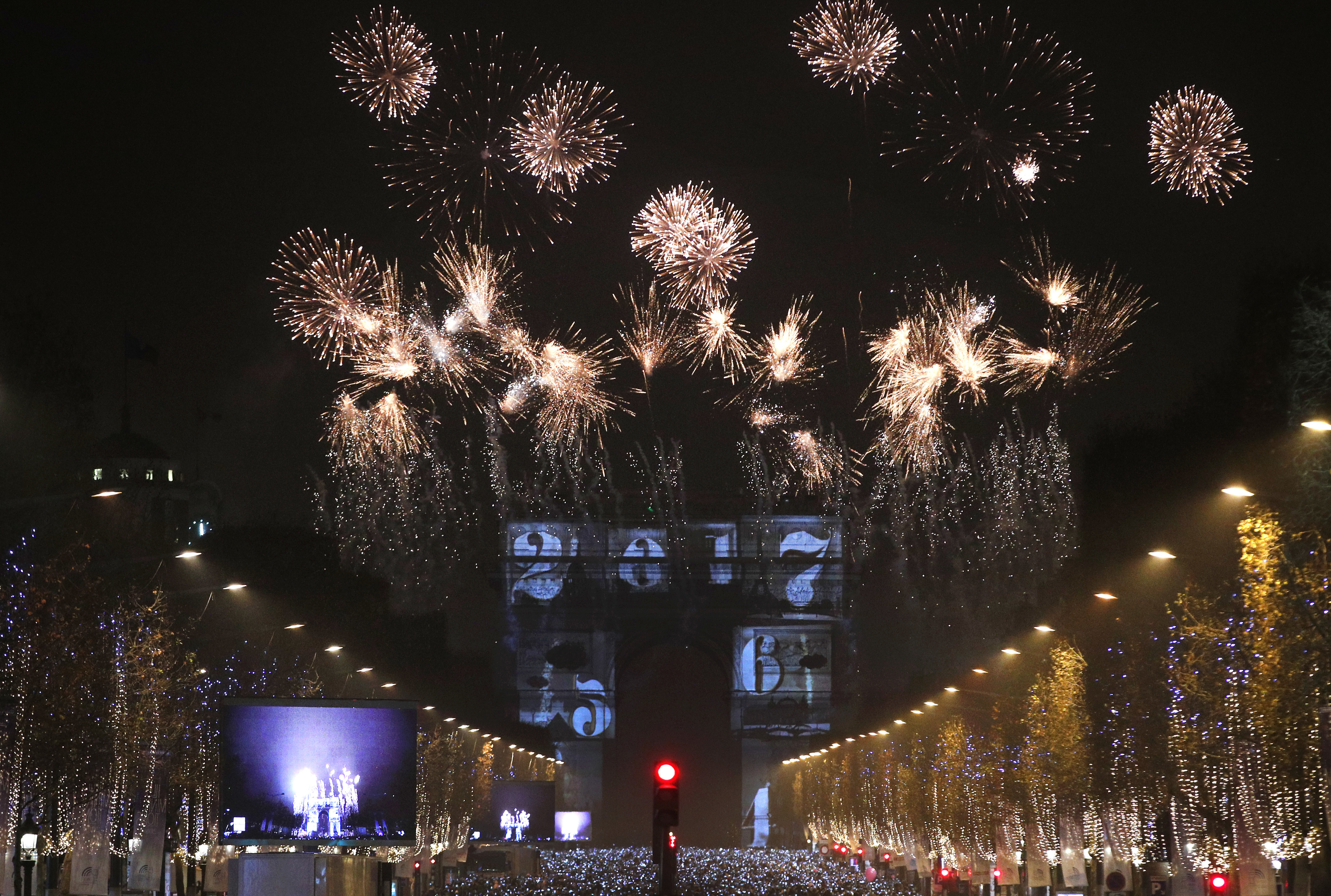 PHOTOS  New Years Eve 2016 around the world     The Denver Post Christophe Ena  Associated Press