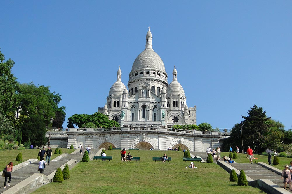 THE SACRED HEART OF JESUS AND MONTMARTRE BASILIC (SACRÉ CŒUR)