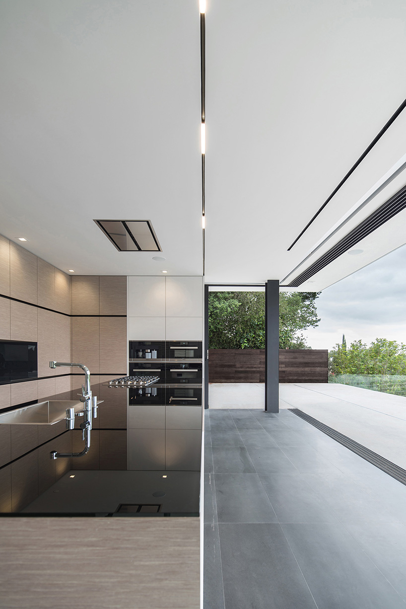 L Shaped Country Kitchen