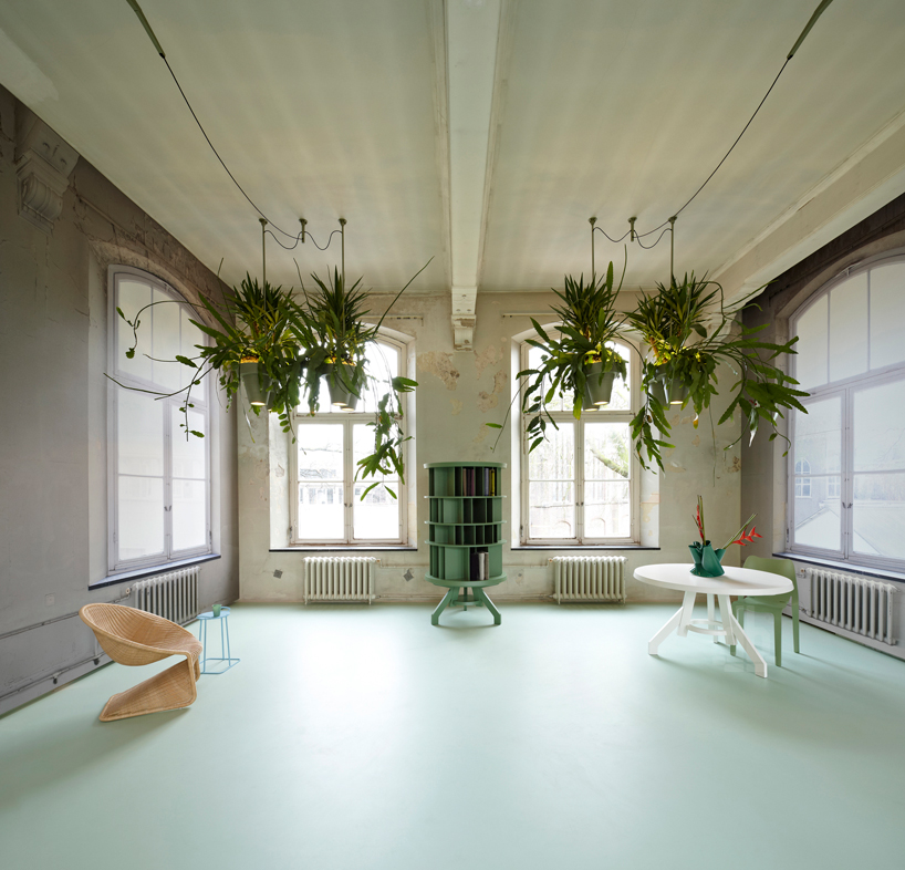 Bucketlight Tropical Plant Fixtures By Roderick Vos Incorporates Built In Powerstation