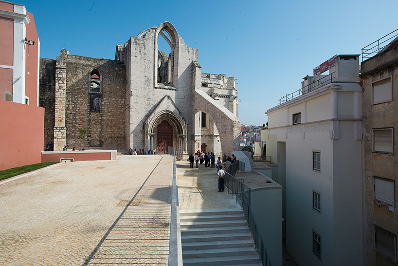225 Lvaro Siza Reconnects Lisbon S Chiado District With Carmo