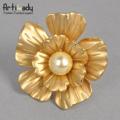 Matte Gold Flower Ring Lovely Pearl Statement Ring Party Jewelry     Matte Gold Flower Ring Lovely Pearl Statement Ring Party Jewelry Artilady  Eternity Ring Mens Rings From Artilady   10 97  Dhgate Com
