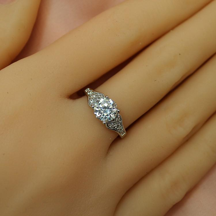 2014 New Authentic Korean Version Diamond Ring Wedding Ring Finger Ring Finger Ring Micro Pave