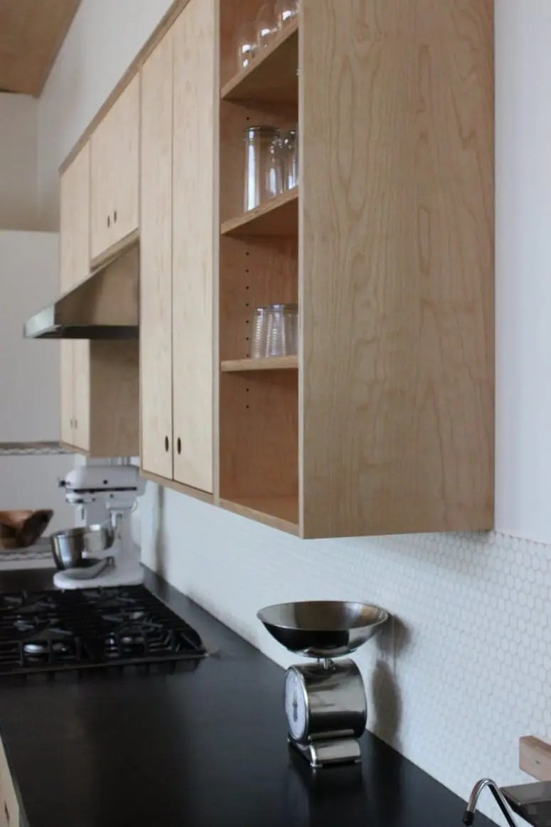 White Kitchen Backsplash Ideas