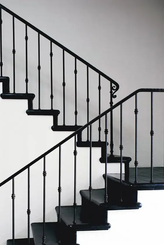 33 Wrought Iron Railing Ideas For Indoors And Outdoors | Black Metal Railing For Stairs | Traditional | Low Cost | Cast Iron | Horizontal | Black Wire
