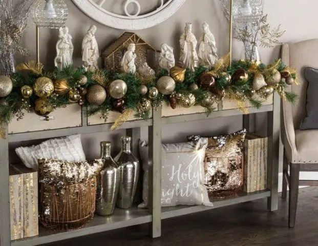 25 Mixed Metals Christmas Decor Ideas Digsdigs
