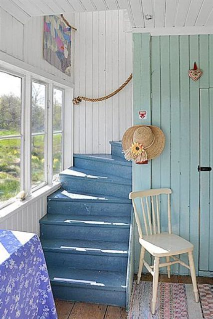 20 Nautical Inspired Staircases For Beach Homes And Not