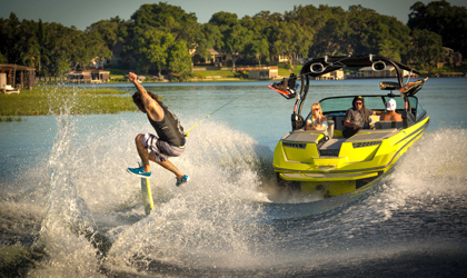 How to Buy a Wakeskate   Discover Boating wake skate