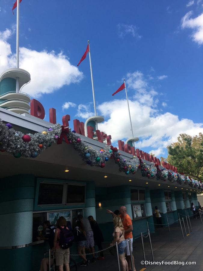 Studio Christmas Disneys Mgm 2017