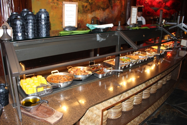 Makahiki Dinner Buffet Disney Aulani Resort Amp Spa Vacation