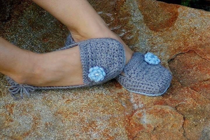 24 Adorable Crochet Women's Slippers | DIY to Make