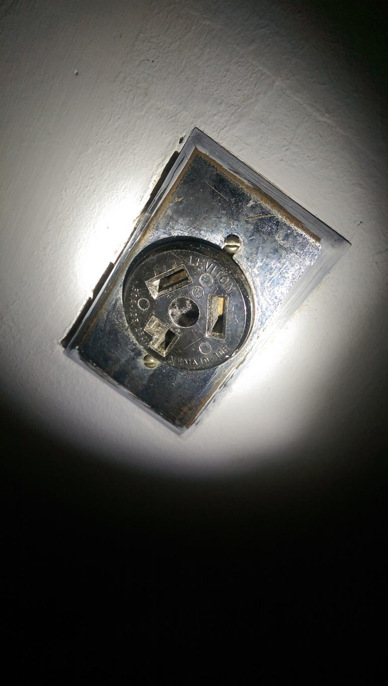 Old Style 220 Outlet With New Style Dryer Plug