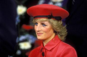 """Lady Diana, il medico che tentò di salvarla: """"Non esserci riuscito mi ha segnato per tutta la vita"""""""