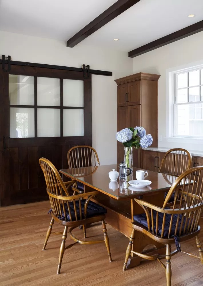 How To Incorporate Sliding Barn Doors Into Your House
