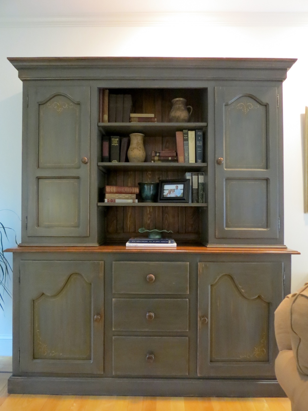 Dressers And Armoires Sale