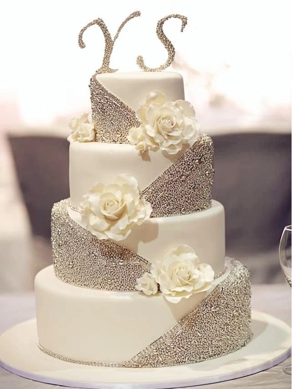 20 Gorgeous Wedding Cakes that WOW     Elegantweddinginvites com Blog silver glittering white wedding cakes