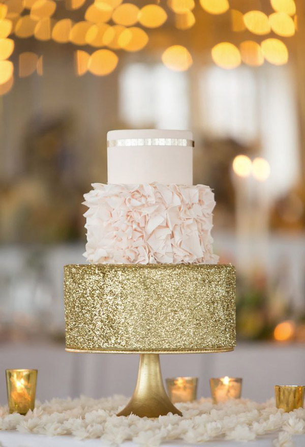 28 Inspirational Pink Wedding Cake Ideas     Elegantweddinginvites com     gorgeous blush and gold wedding cakes