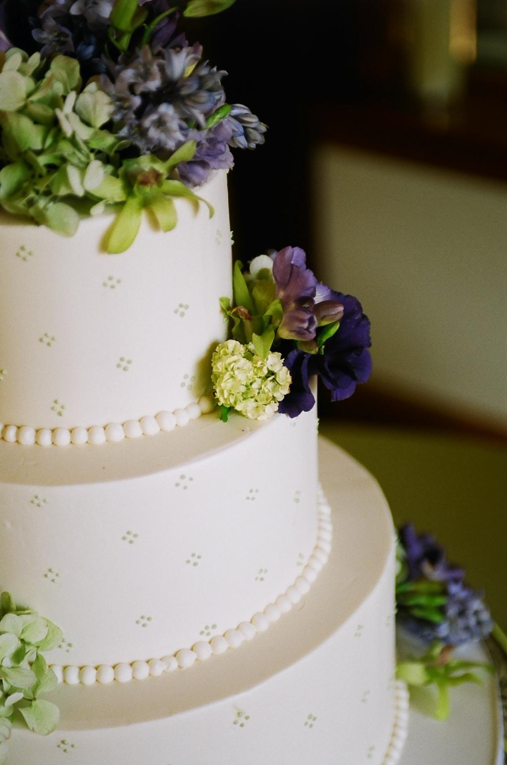 Best White Simple Wedding Cakes Pictures and Wallpapers   Wedding Cakes Best White Simple Wedding Cakes Pictures and Wallpapers
