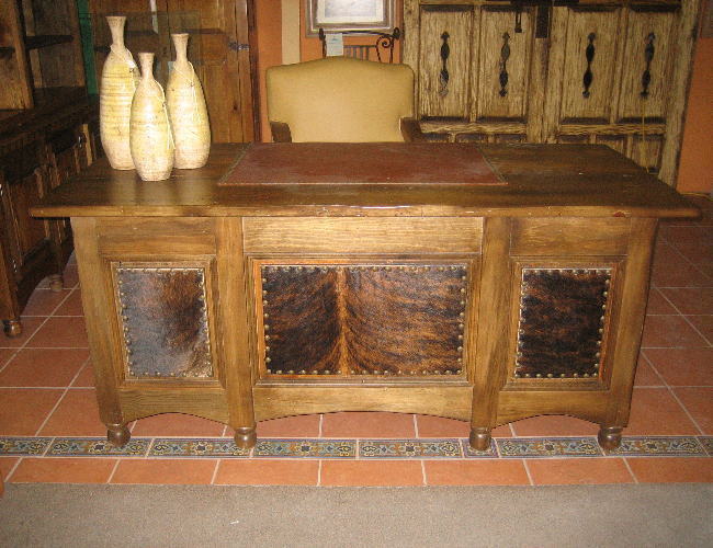 Western Style Furniture And Decor