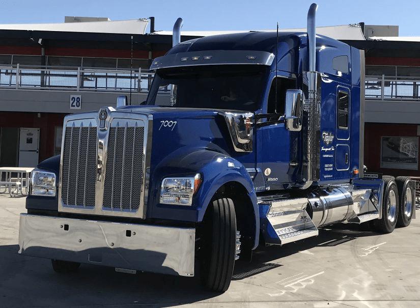 Kenworth Unveils Its Newest Heavy Hauler The W990