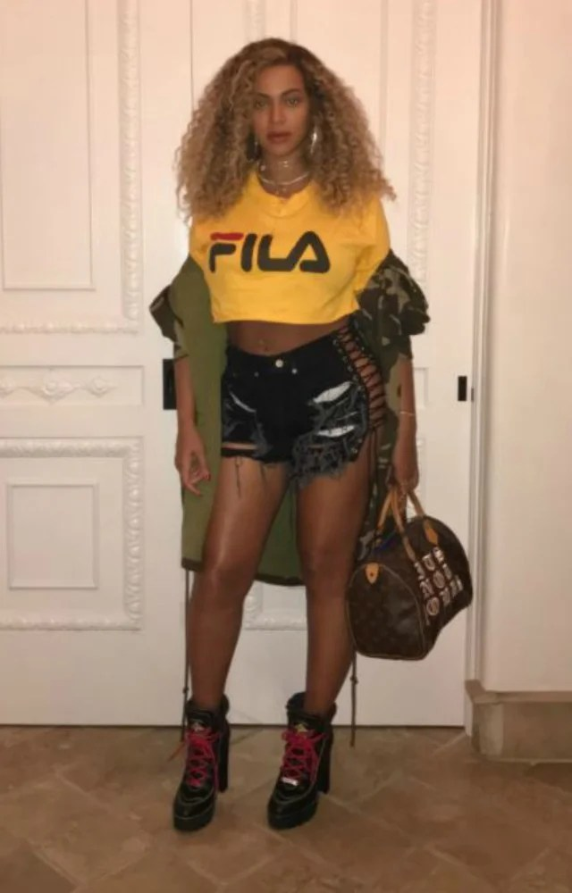 Beyonce Flaunts Her Post Baby Bod And Belly Button Ring
