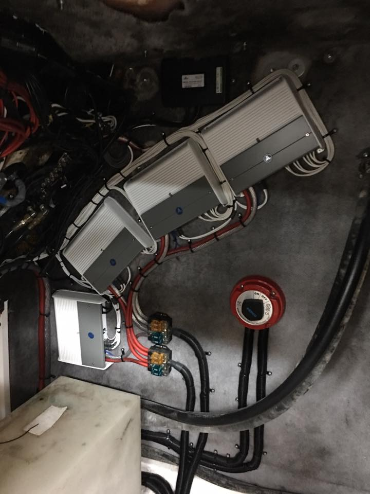 Jl Audio Marine Stereo System And Custom Fabrication