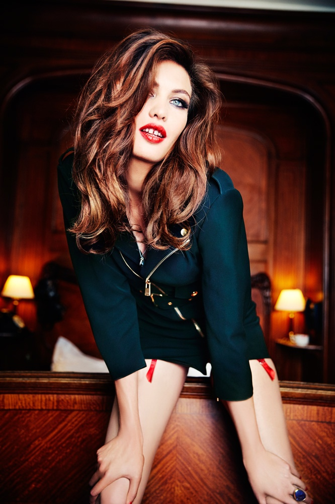 Aomi Muyock Poses For Ellen Von Unwerth In Vanity Fair