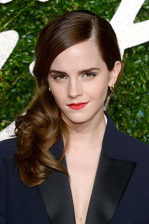 Pretty Holiday Hairstyles to Meet 2015 In Style: Side-Swept Hair - Emma Watson