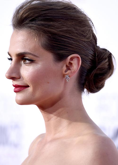 People's Choice Awards 2015 Hairstyles: Stana Katic Ballerina Bun
