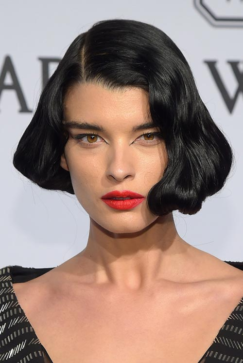 Short Hairstyle Ideas: Crystal Renn Wavy Short Bob