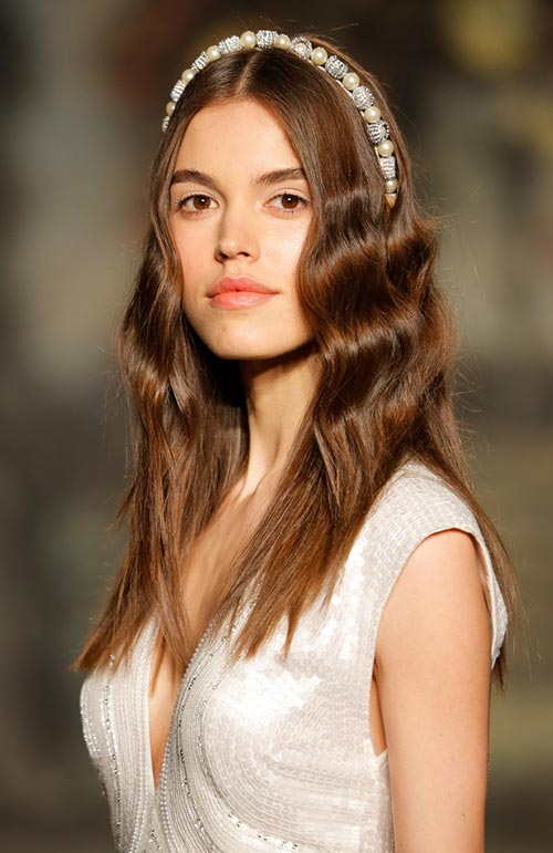 Spring 2016 Bridal Hairstyles and Beauty: Jenny Packham