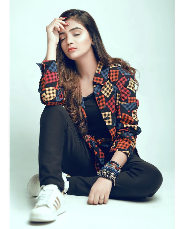 Beautiful Pictures Of Actress Laiba Khan Pakistani Drama