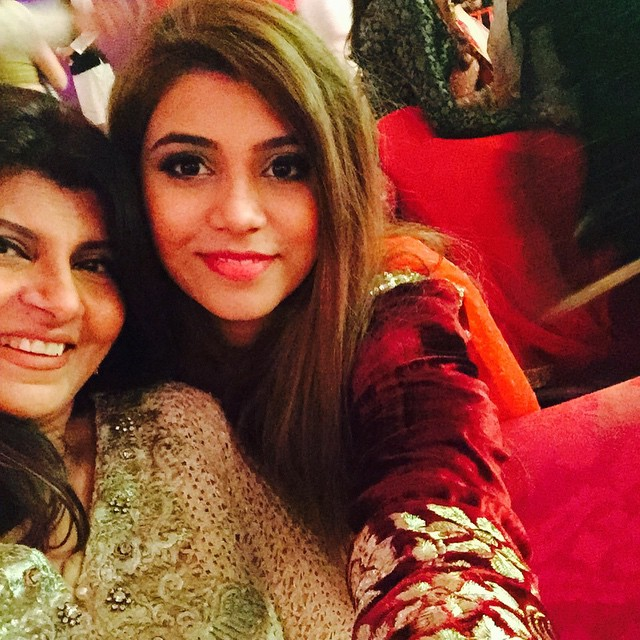 Beautiful Pictures Of Actress Rubina Ashraf With Her