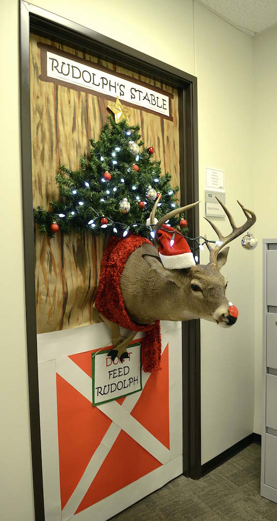 17 Best Christmas Office Decoration Ideas Feed Inspiration
