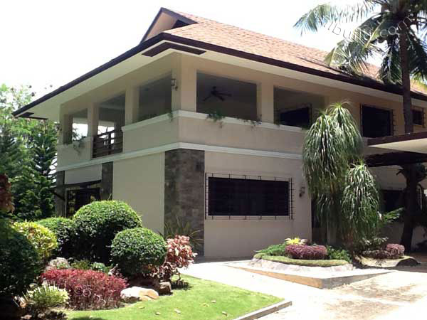 Real Estate Iloilo City Beautiful Executive House And Lot