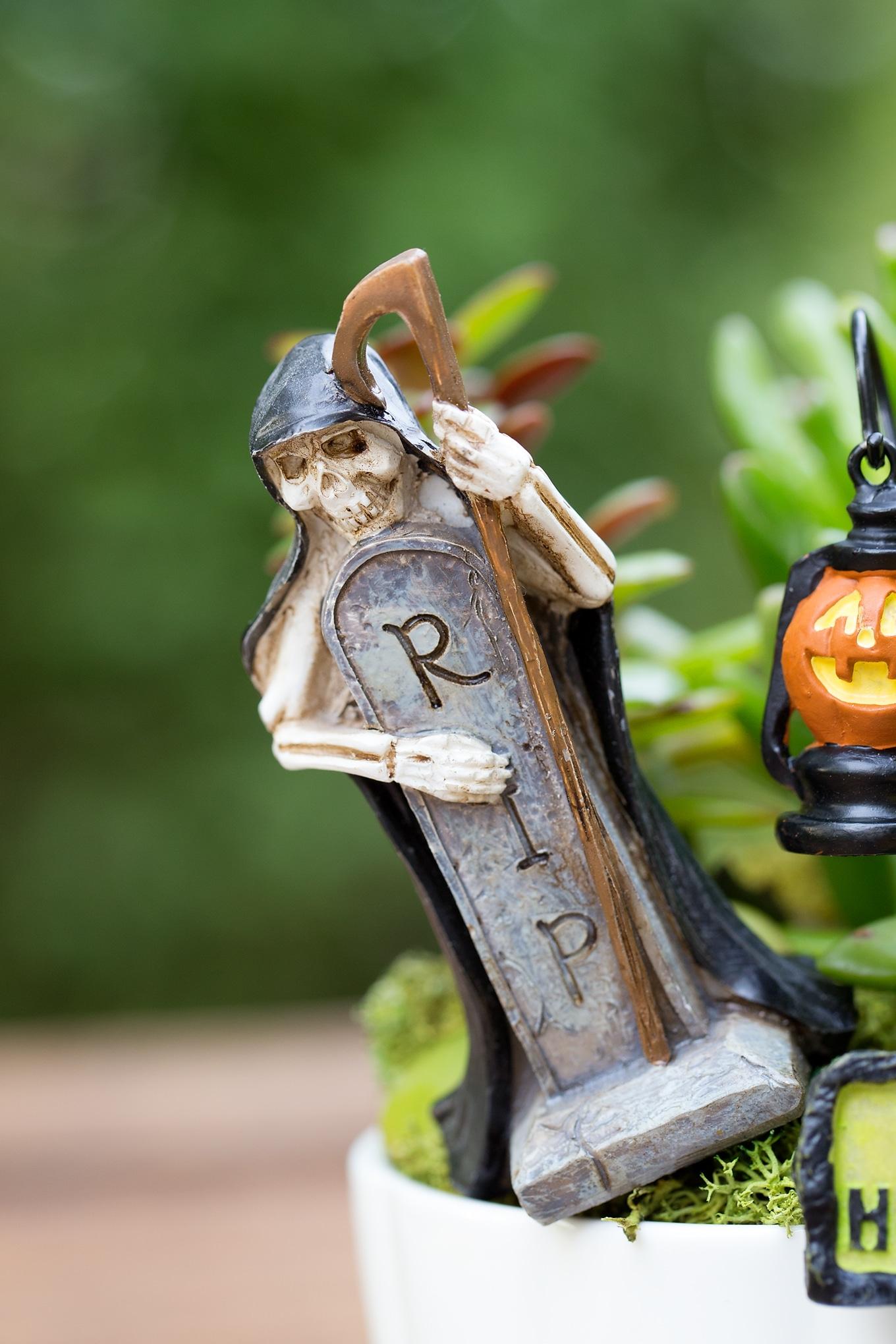 Halloween Teacup Garden RIP Grave