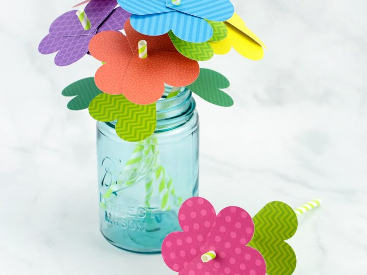 Simple Paper Straw Flowers
