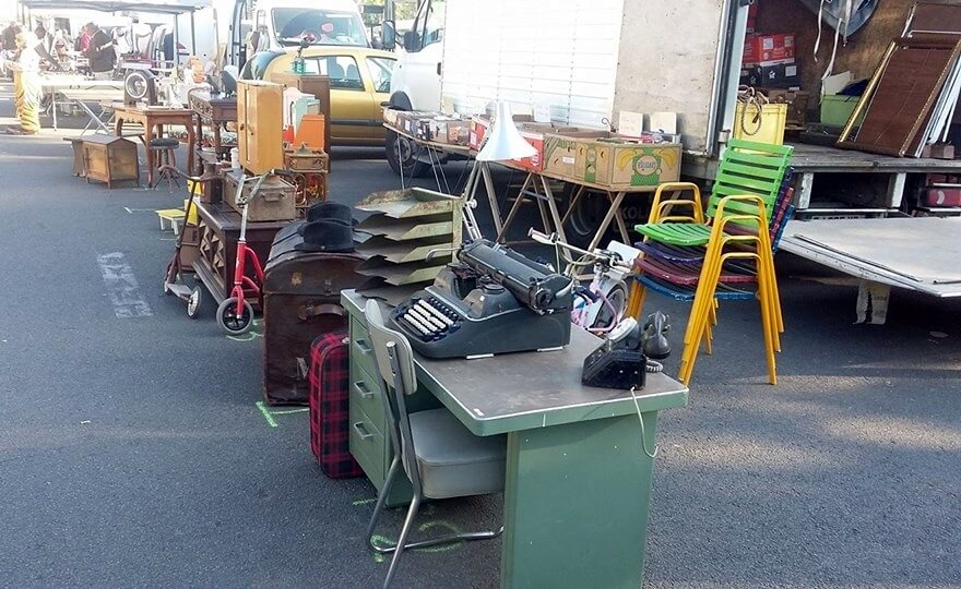 Brocante Place Viarme   fleamapket  the best flea markets     Brocante de la place Viarme      Vide Hangar Brocante