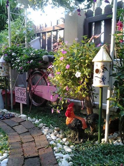 Anis S Sweet Garden Vignettes Flea Market Gardening