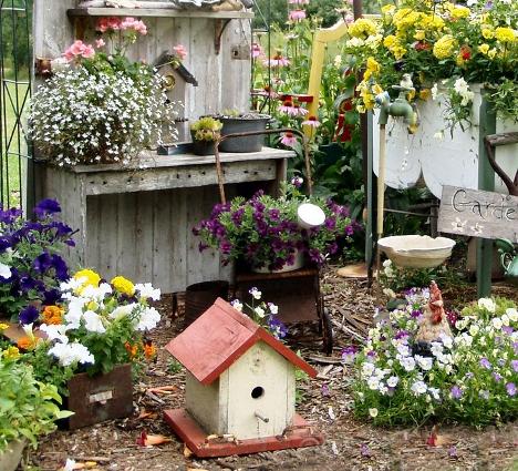 What Makes Garden Vignettes Work Flea Market Gardening