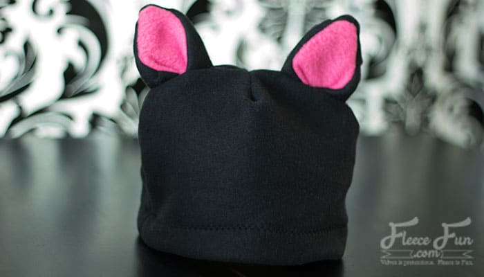 I love these cute (and warm) fleece hats. This free fleece hat tutorial is perfect! I bet my kid would wear it not just on Halloween, but all winter long! And there's a video tutorial - just what I need. Great easy sew diy idea. Fleece Sewing Project that is fun. Easy free fleece animal hat patterns,