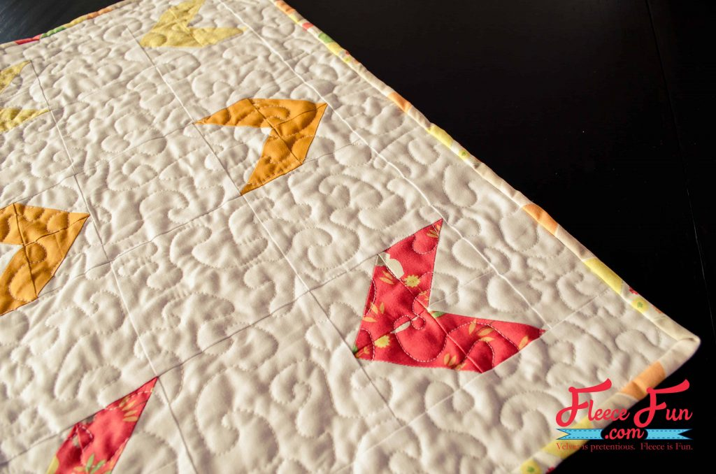 I love this summer quilt topper. The sewing instructions are so clear it looks easy to make. I love simple quilt tutorials.