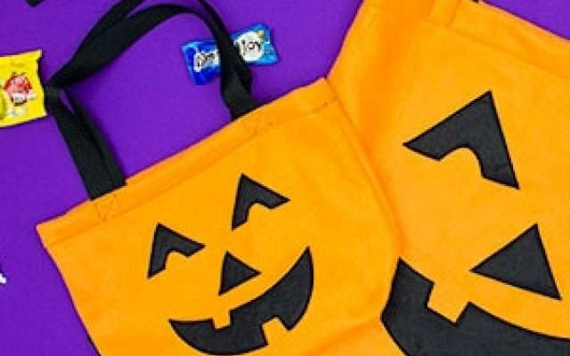 cropped-how-to-make-a-trick-or-treat-bag-free-pattern-700-pixels-by-400-pixels.jpg