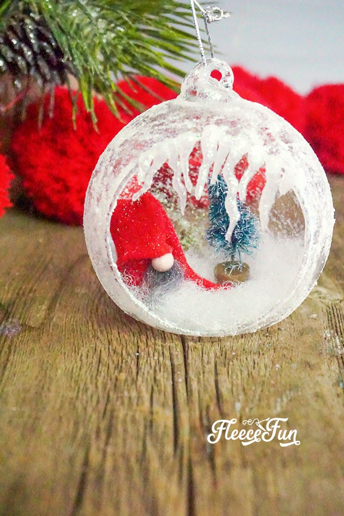 This DIY Homemade Ornament with Gnomes tutorial comes with a FREE template and clear step by step instructions for you can make your own!