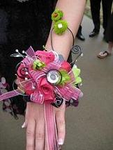 Prom Trends  Prom Accessories and Flowers Prom Wrist Corsage