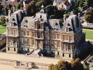 Maisons Laffitte   Tourism   Holiday Guide Castle Homes