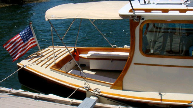 Freedom Boat Service 1968 Royal Lowell Design 25