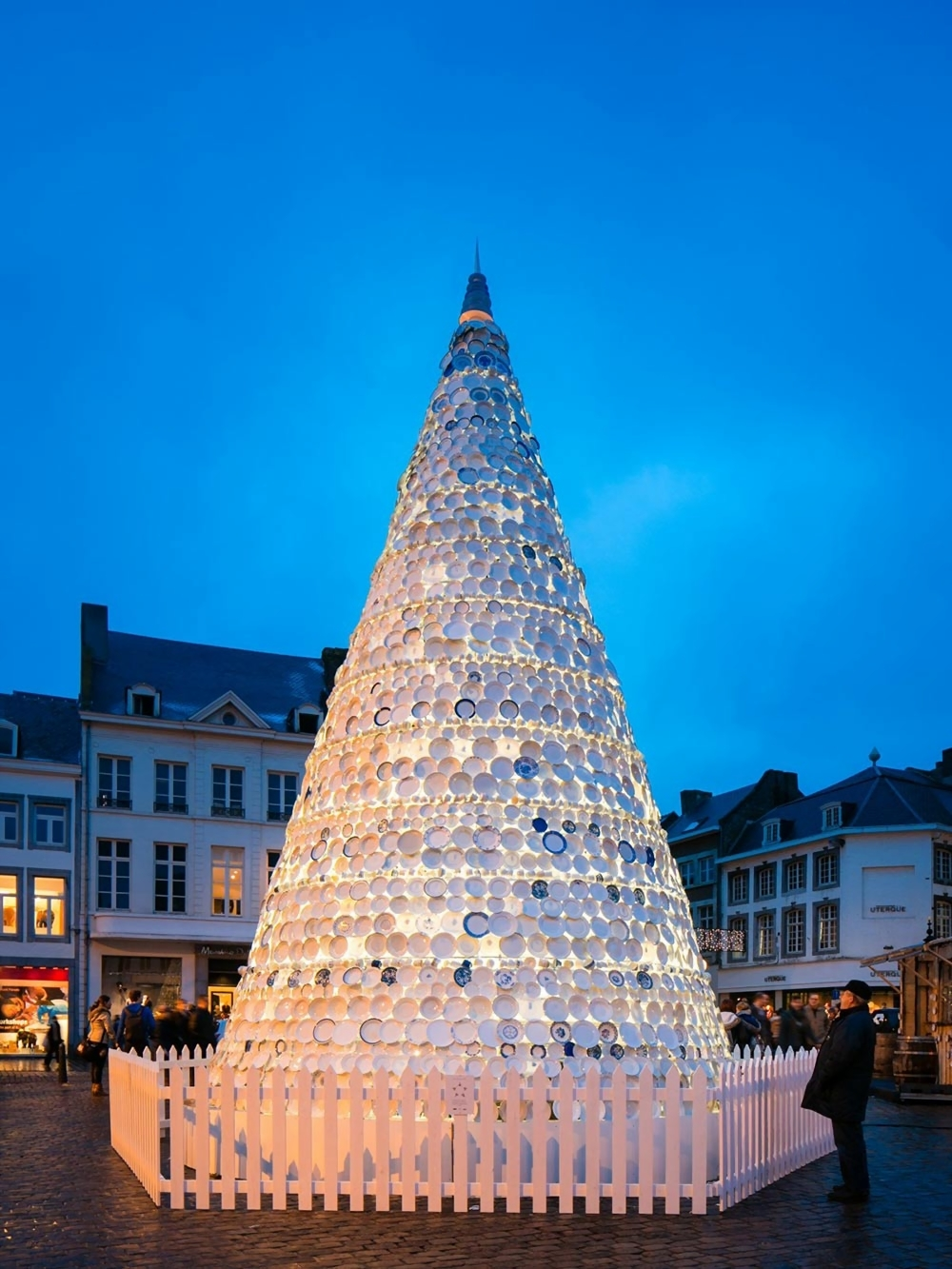 Porcelain Christmas Tree in Hasselt, Belgium by Mooz ...