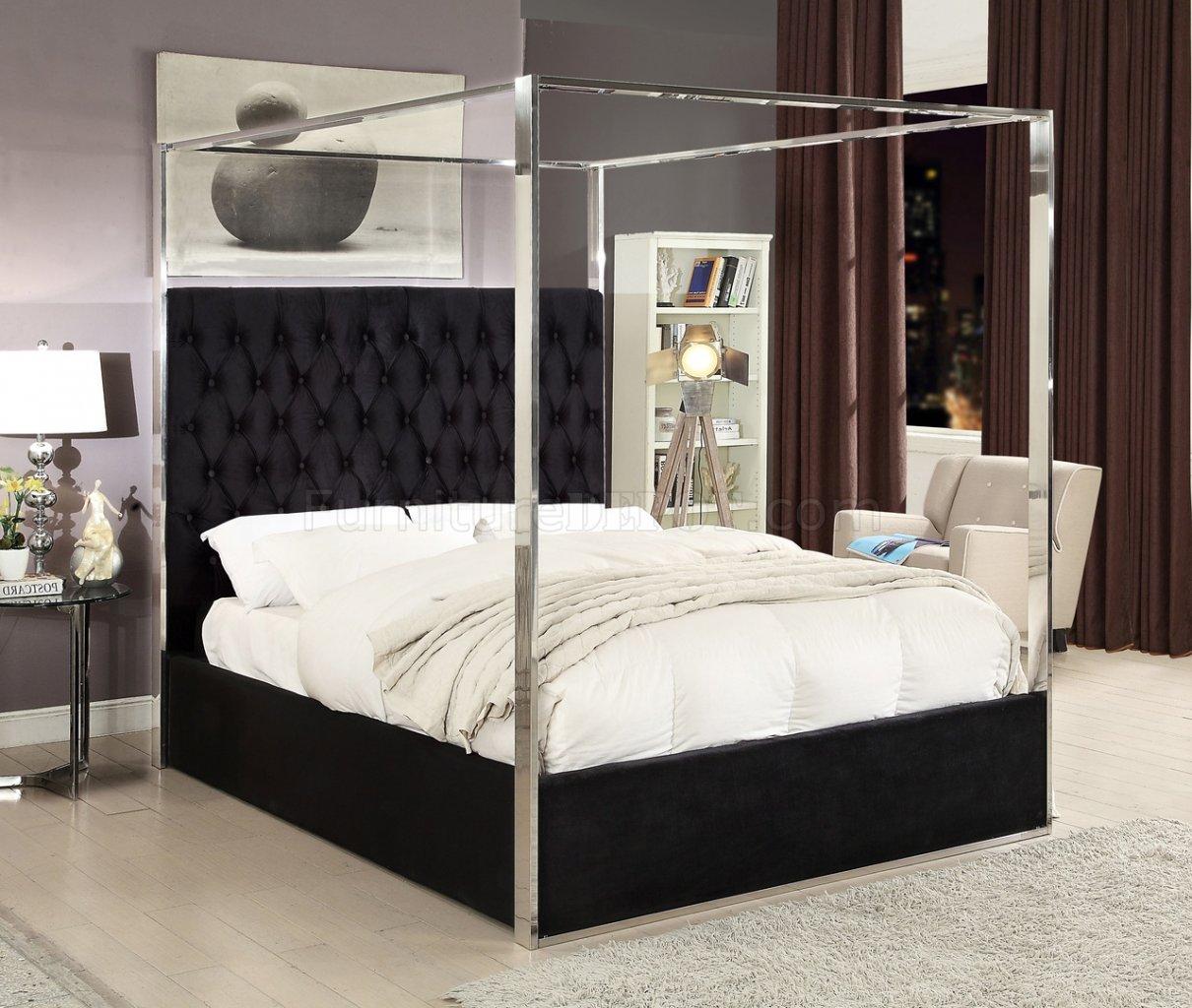 Porter Upholstered Bed In Black Velvet Fabric By Meridian